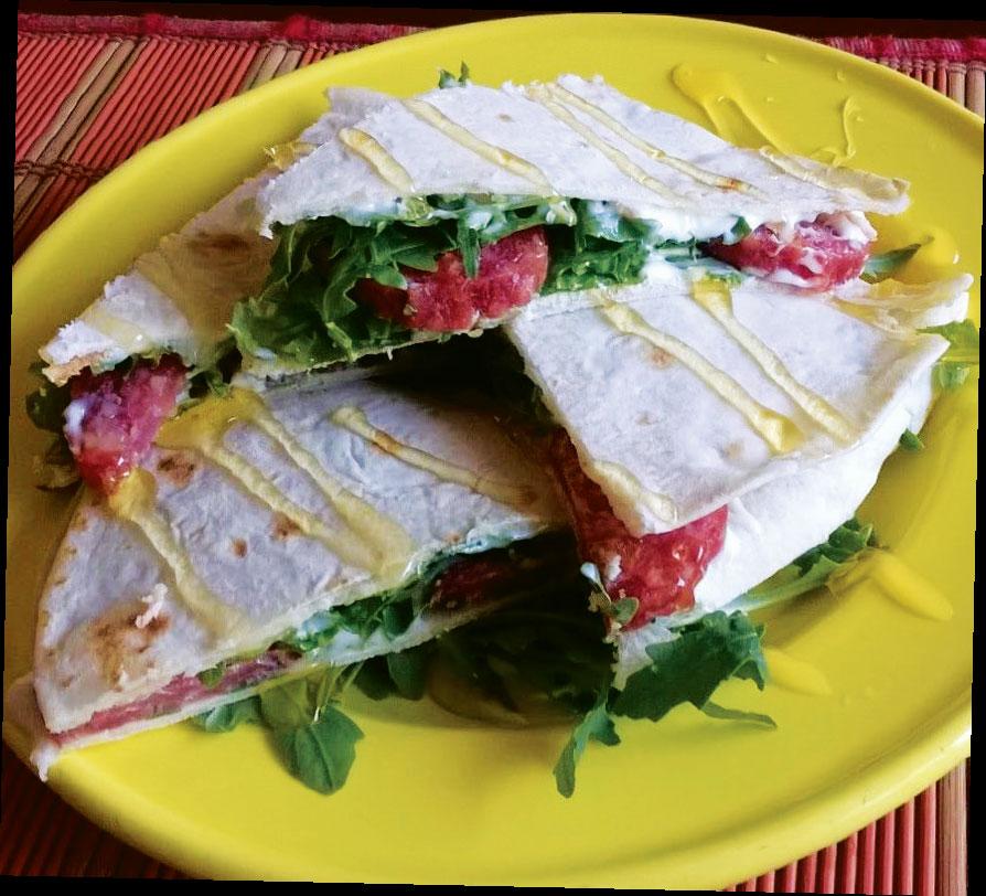 piadina romagnola salamino