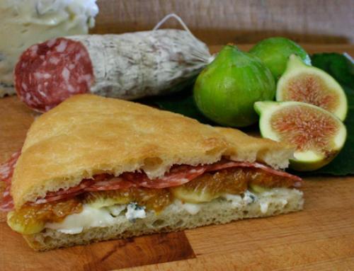 Toscaans brood met Salamini Italiani alla Cacciatora AOP